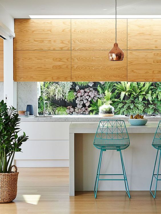 A Benchtop Overhang allows seating to sit comfortably underneath.